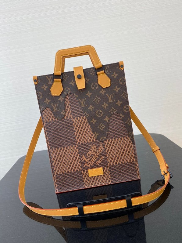 Louis Vuitton,路易威登风琴包,25*14*35cm