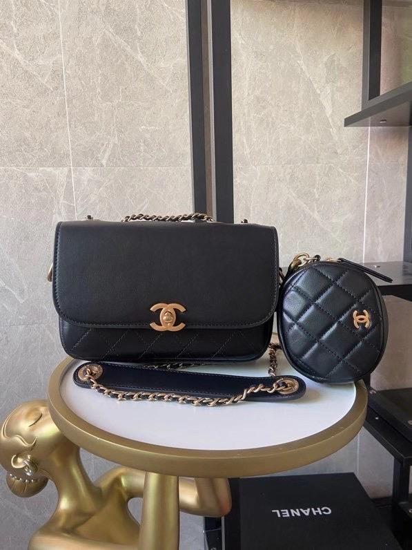 Chanel,香奈儿口盖包,17*20.5*7cm